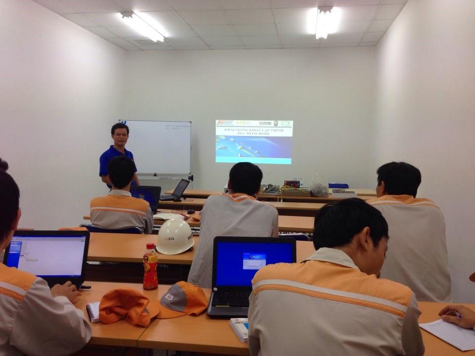 Đào tạo lập trình PLC Mitsubishi