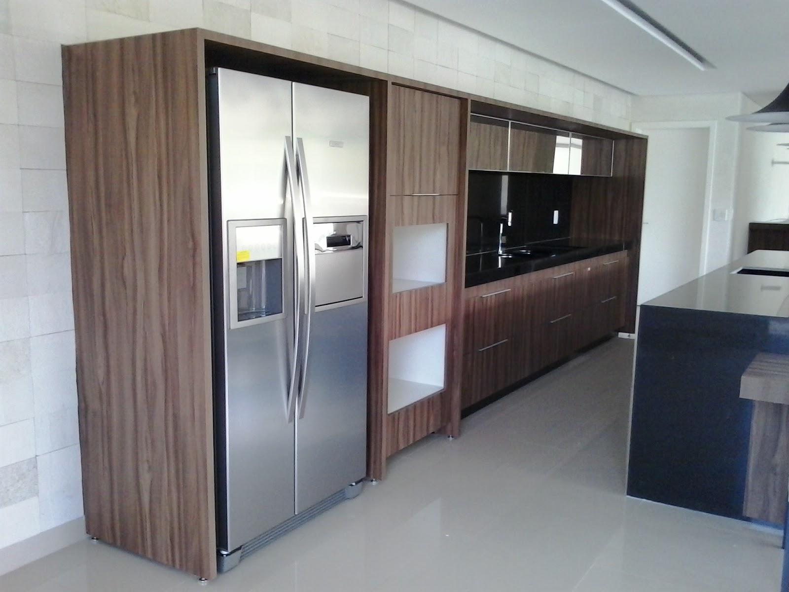#6D5B50 Salão de festa: Armário com portas basculante em espelho bancada e  1600x1200 px Armario De Cozinha Compacto Mdf #2009 imagens