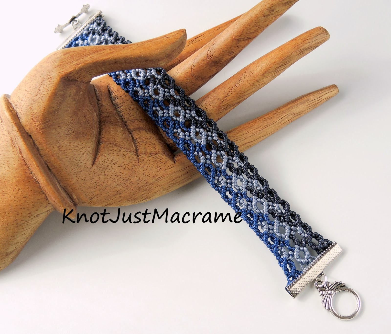 Double Hitch Knot Bracelet Double Half Hitch Knots