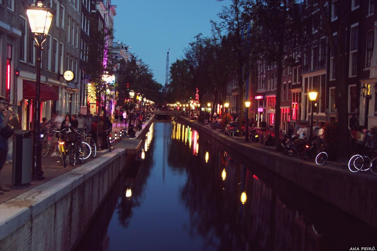 prostitutas follando calle prostitutas barrio rojo amsterdam
