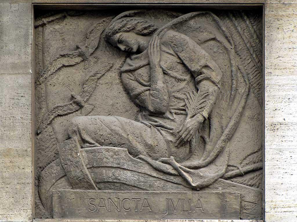 Sancta Julia, bas-relief, piazza Cavour, Livorno