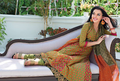 Gul+Ahmed+2011+Collection+www.She9.blogspot.com+%25281%2529 Gul Ahmad lawn silk collection for summer and winter 2013