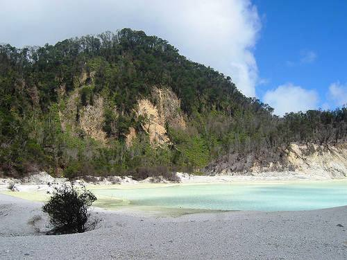 ... Kawah Putih Bandung ( Tempat Wisata Di Bandung ) semoga bermanfaat