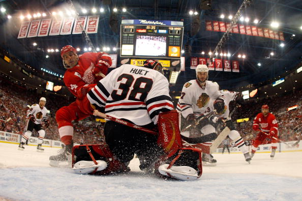 http://4.bp.blogspot.com/-JXyBf3V_jUs/TZEamFQfL8I/AAAAAAAAAOw/RVbU7uK87vs/s1600/Chicago+Blackhawks+vs+Detroit+Red+Wings+Live+Stream+Online+TV+Channels+Coverage.jpg