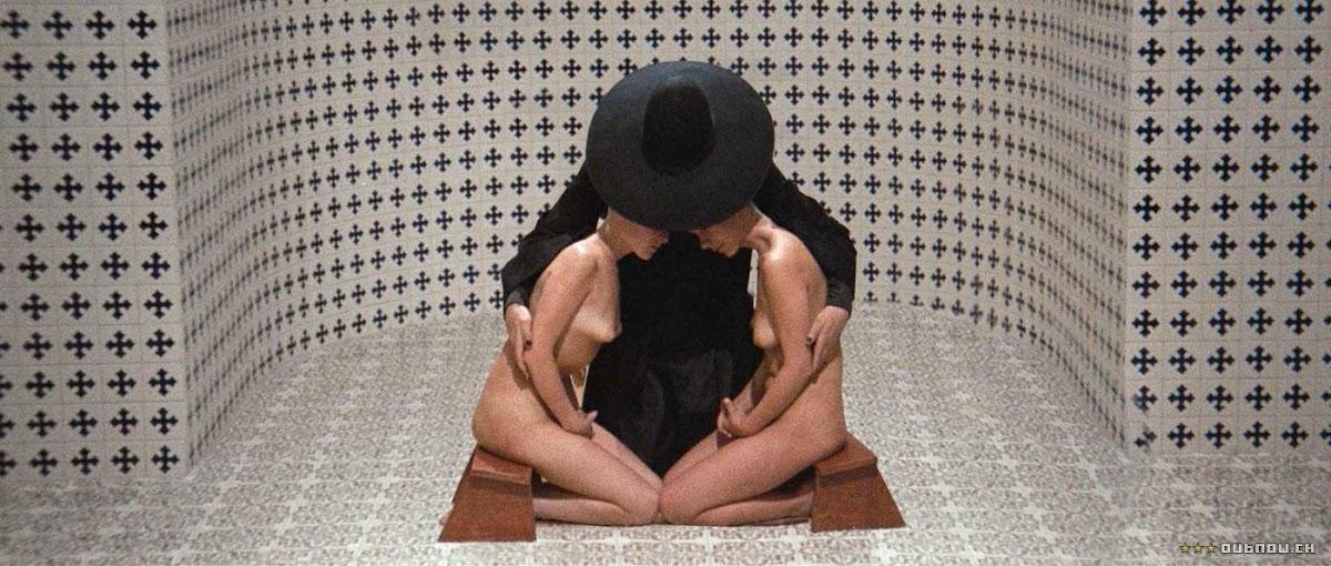 http://4.bp.blogspot.com/-JY-TNkRRhps/TkYgR_CluYI/AAAAAAAAAws/eQNkZQsbubo/s1200/holy-mountain4.jpeg