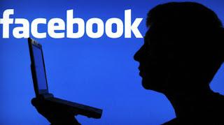 adolescenti rubare facebook