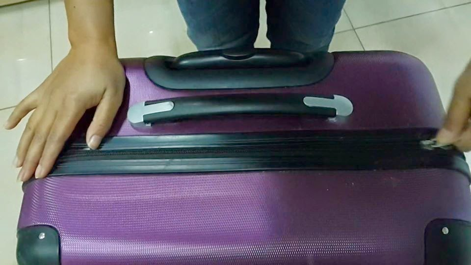 Waspadai Cara Pencuri Di Bandara Membuka Koper Tanpa Merusaknya