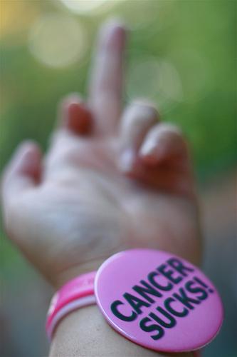 http://4.bp.blogspot.com/-JYhO7MUeank/UTQkmmS1NPI/AAAAAAAAA2U/xRazwz8qe4w/s1600/cancer-sucks1.jpg