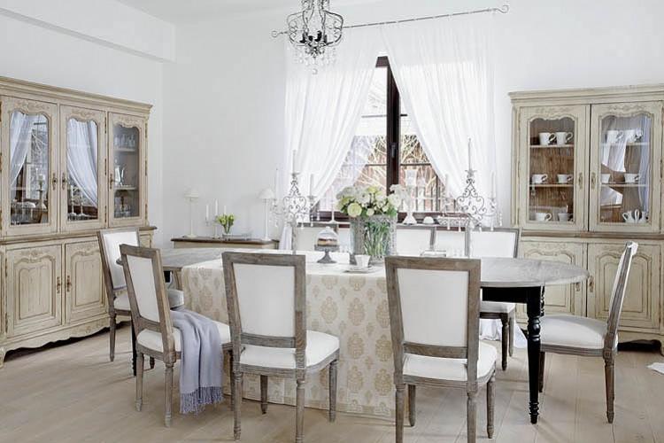 Boiserie c bianco lino per il nuovo shabby chic - Shabby chic interiors soggiorno ...