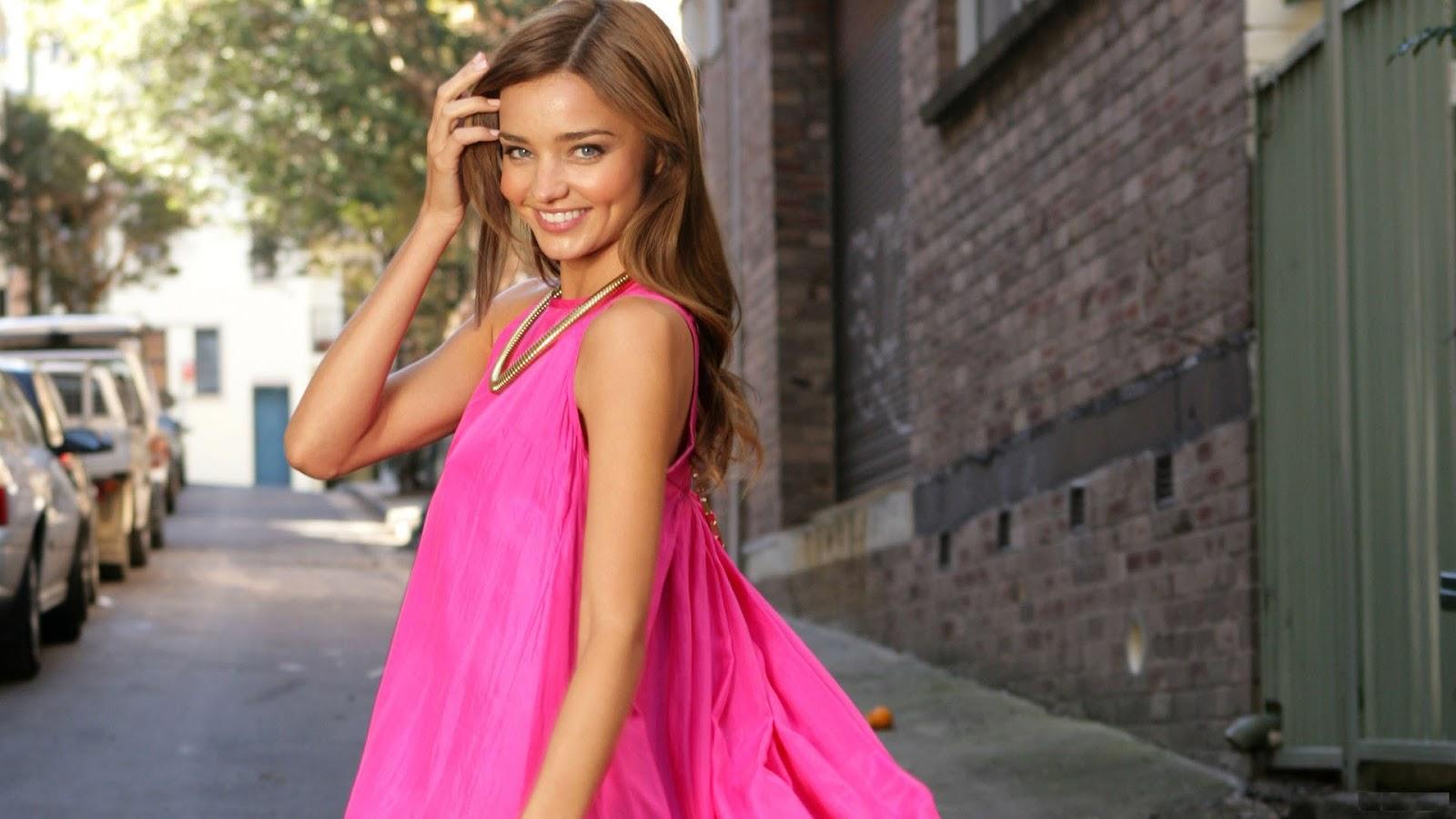 Minranda Kerr smiling in Pink Dress