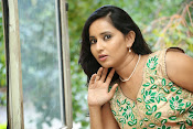 Ishika singh latest glam pics-thumbnail-4
