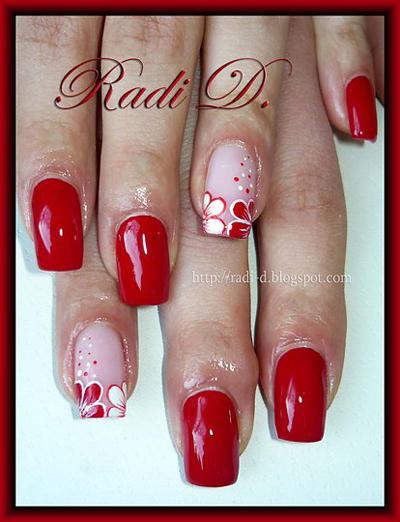 Декорация на нокти мартенички - цветенца
