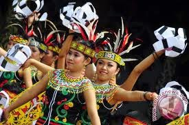 Keanekaragaman Masyarakat dan Kebudayaan Dayak