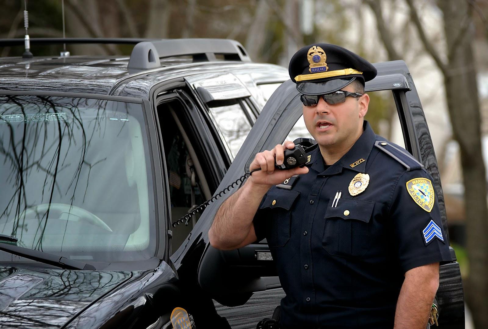 Μπαμπάς συνελήφθη επειδή πήγε να παραλάβει τα παιδιά του από το σχολείο..χωρίς αυτοκίνητο!