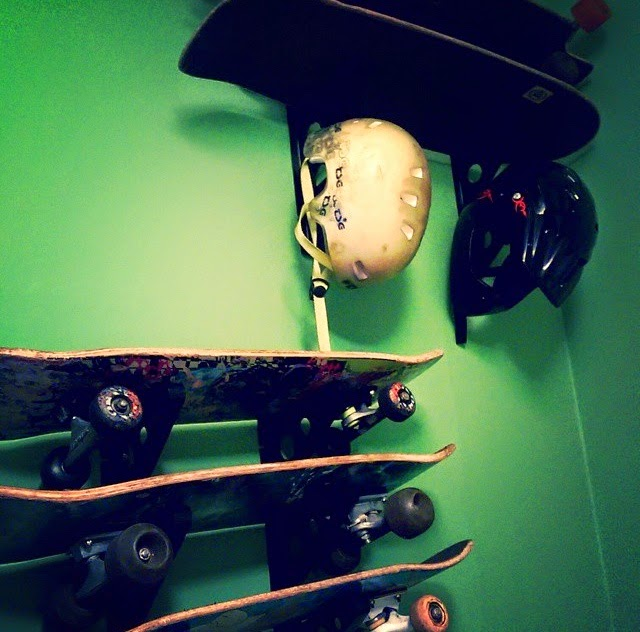 skateboard triple rack
