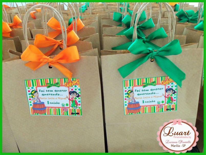para docinhos e centro de mesa personalizados do Chaves e Chiquinha