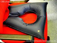 Aufblasbares Sitzkissen bei Problemen mit Hämorriden oder im Schambereich