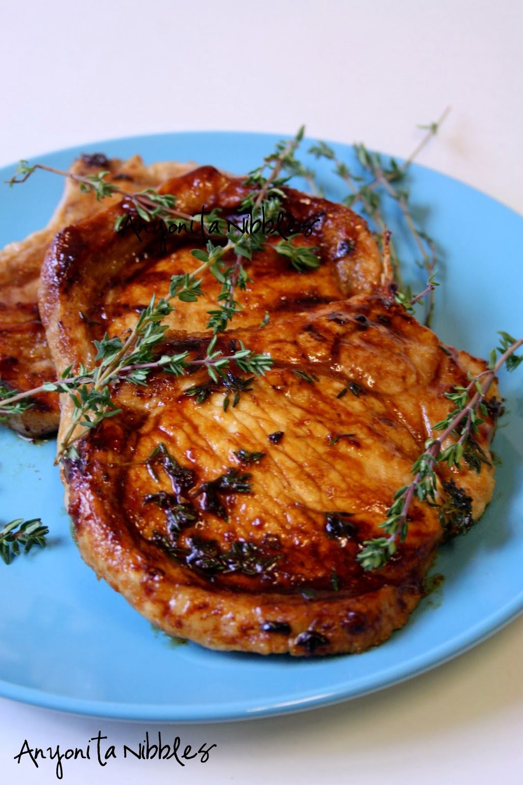 These honeyed thyme pork chops are perfect dinner food for spring and summer
