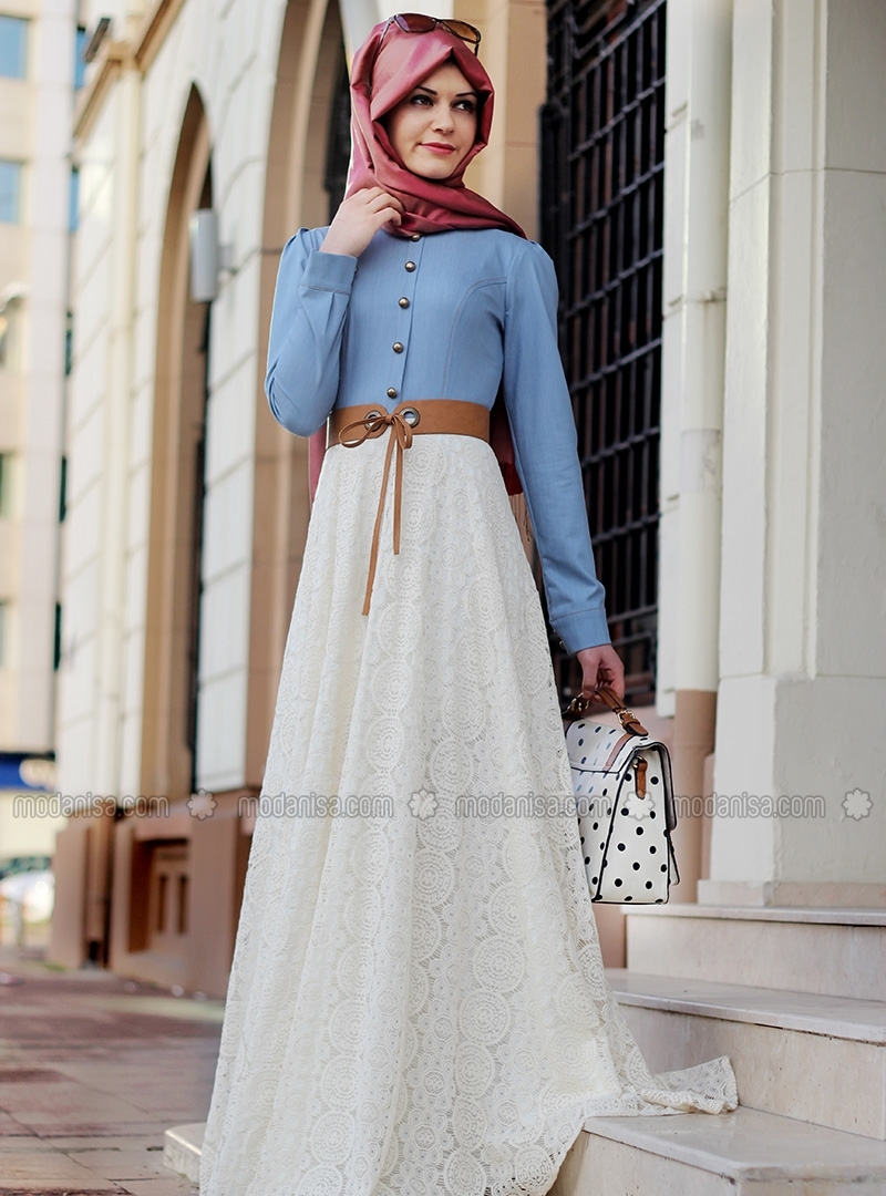 Bon Plan Combinaison Hijab Turque Robe En Dentelle Et Jeans Hijab Fashion And Chic Style