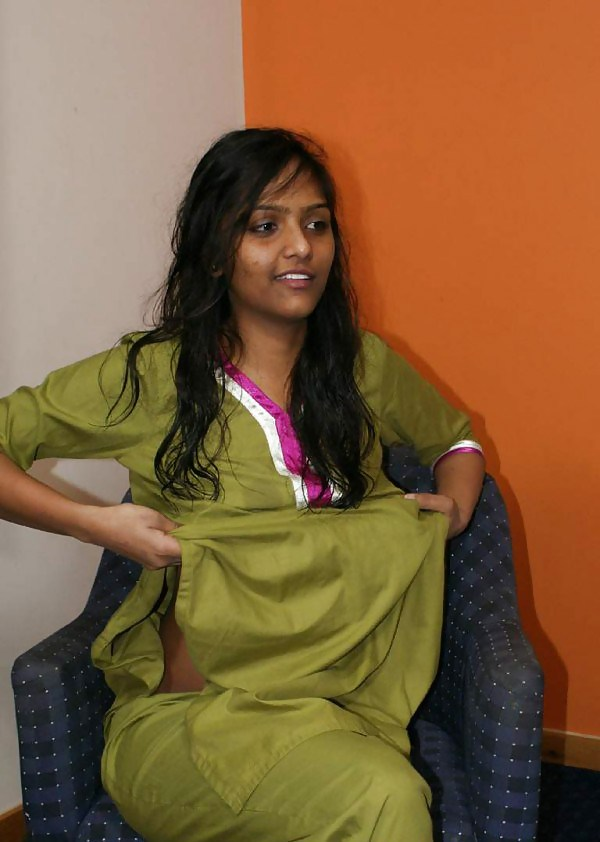 Indian Girl Strip Off Her Saree