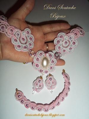 Conjunto em soutache composto por colar, brincos e pulseira