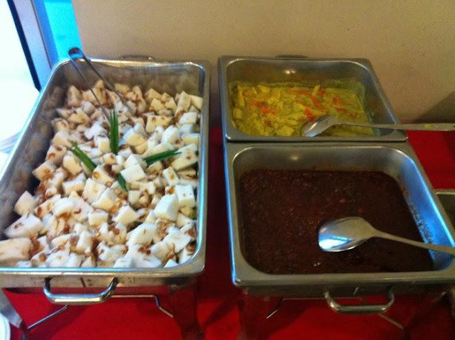 Nasi impit,kuah lodeh,kuah kacang