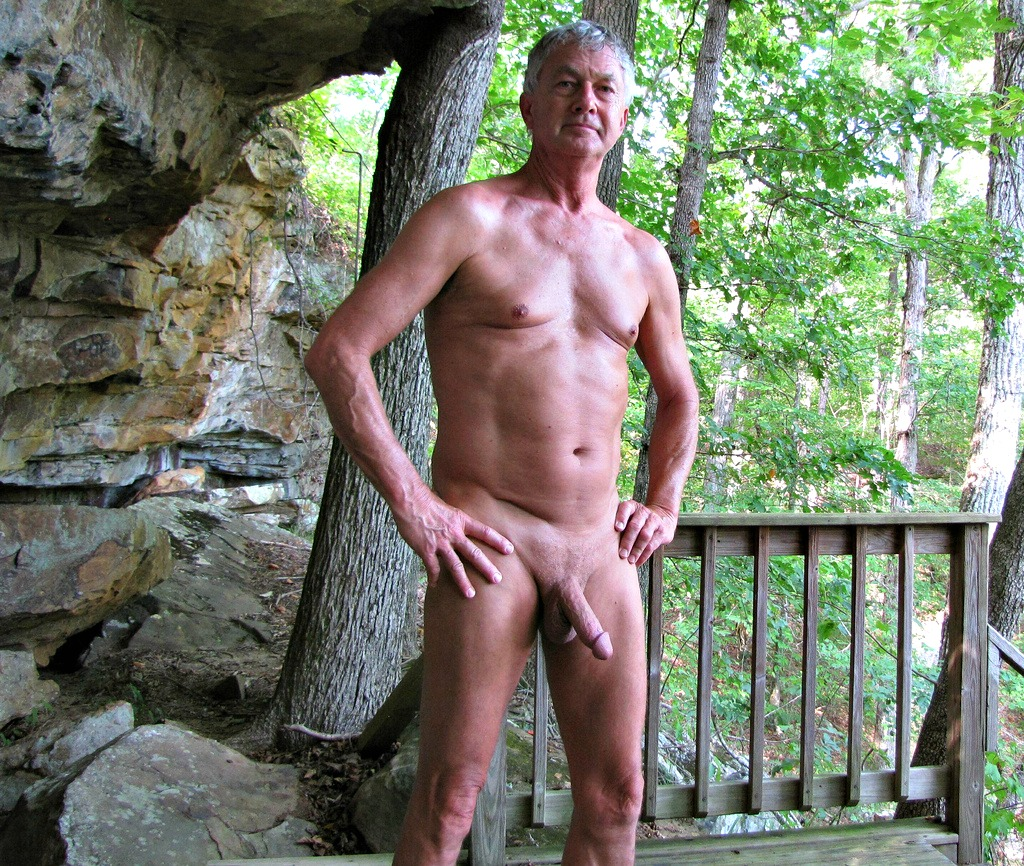 Pleasing nude Women old men