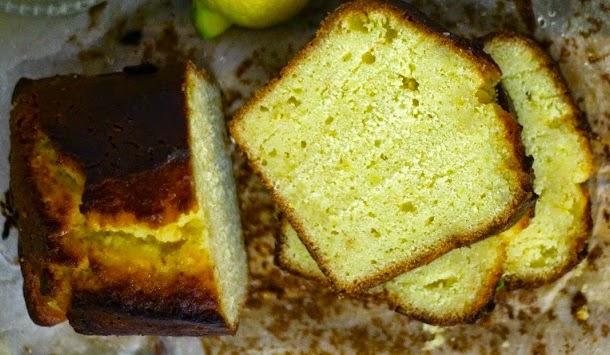 Receita de bolo de limão, farinha de milho e iogurte