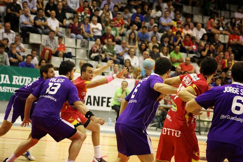 Ales Silva es el 13 ó el 86? | Mundo Handball