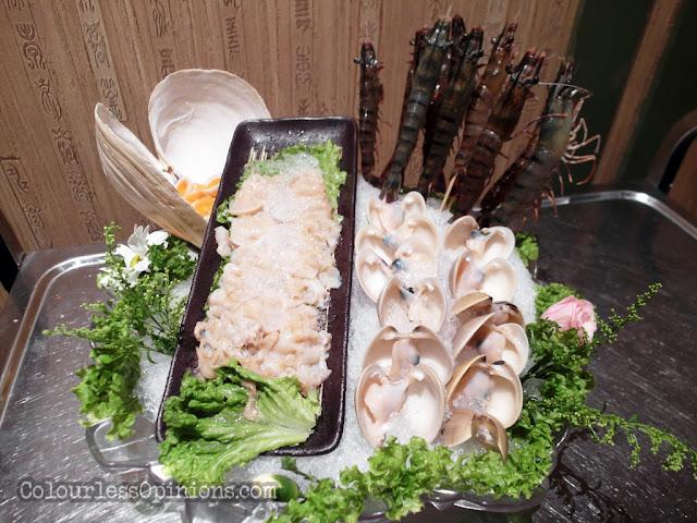 yezi the roof seafood prawn steamboat