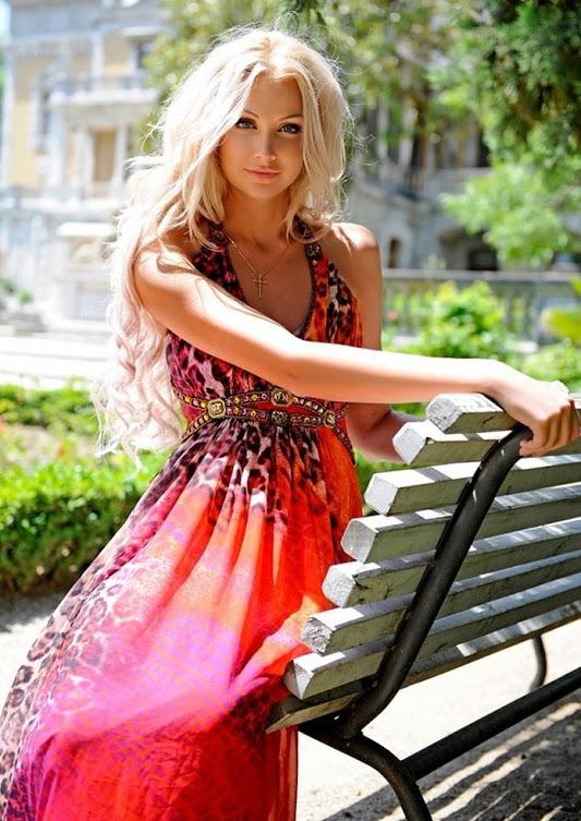 Фото девушек реальных в платьях