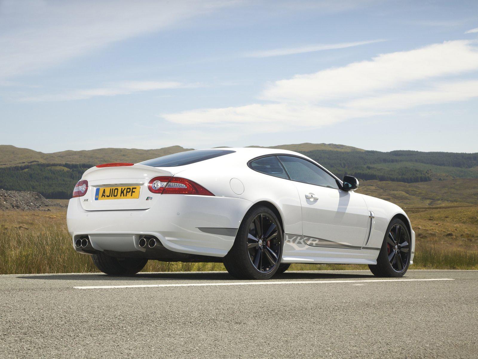 http://4.bp.blogspot.com/-J_CTYDPrLt0/Tc16G09VKII/AAAAAAAACtQ/liKKS60ZdEU/s1600/Jaguar+XKR+Speed+2011+wallpaper.jpg