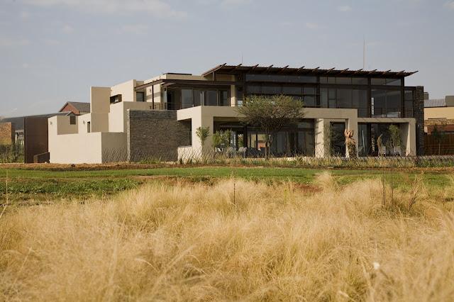 Modern Serengeti House by Nico van der Meulen Architects