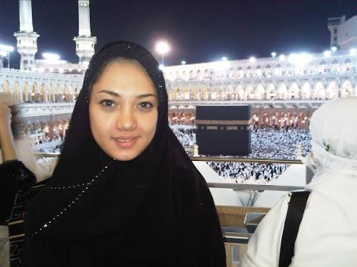 dea tungga esti, dea tungga esti ber jilbab