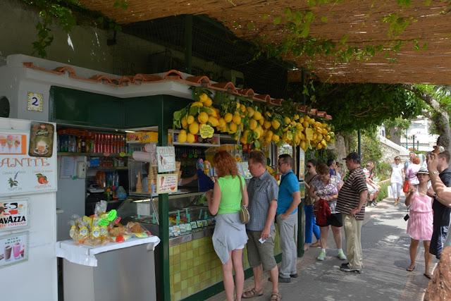 Capri Fruit