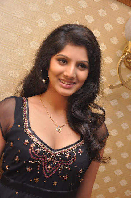 Joshna latest hot stills