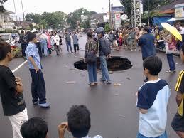 Foto Lubang Di Bandung
