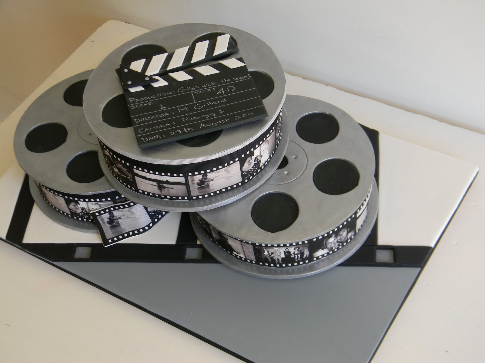 Cake With Photo Reel : Just call me Martha: Hollywood cake and Topsy turvy ...