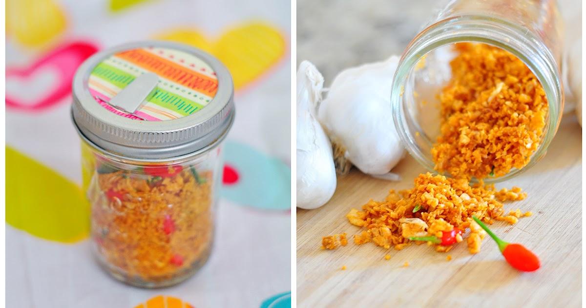 Thai Fried Garlic (Gratium Jiew) Recipe and a DIY Mason Jar Spout