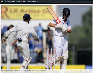 Jonathan-Trott-Dhoni-IND-V-ENG-4th-TEST-DAY-1