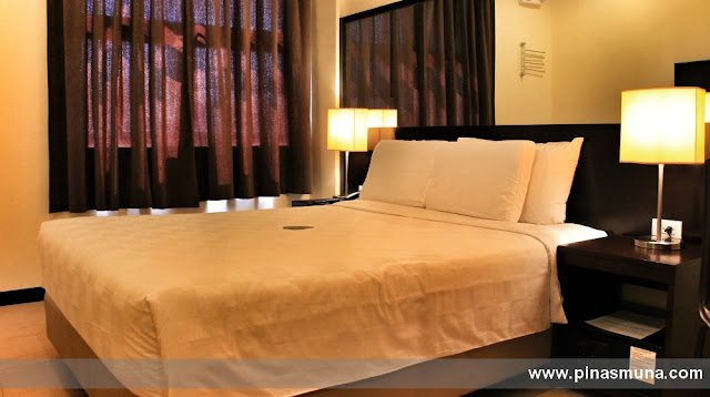 Queen Room of GoHotels Puerto Princesa