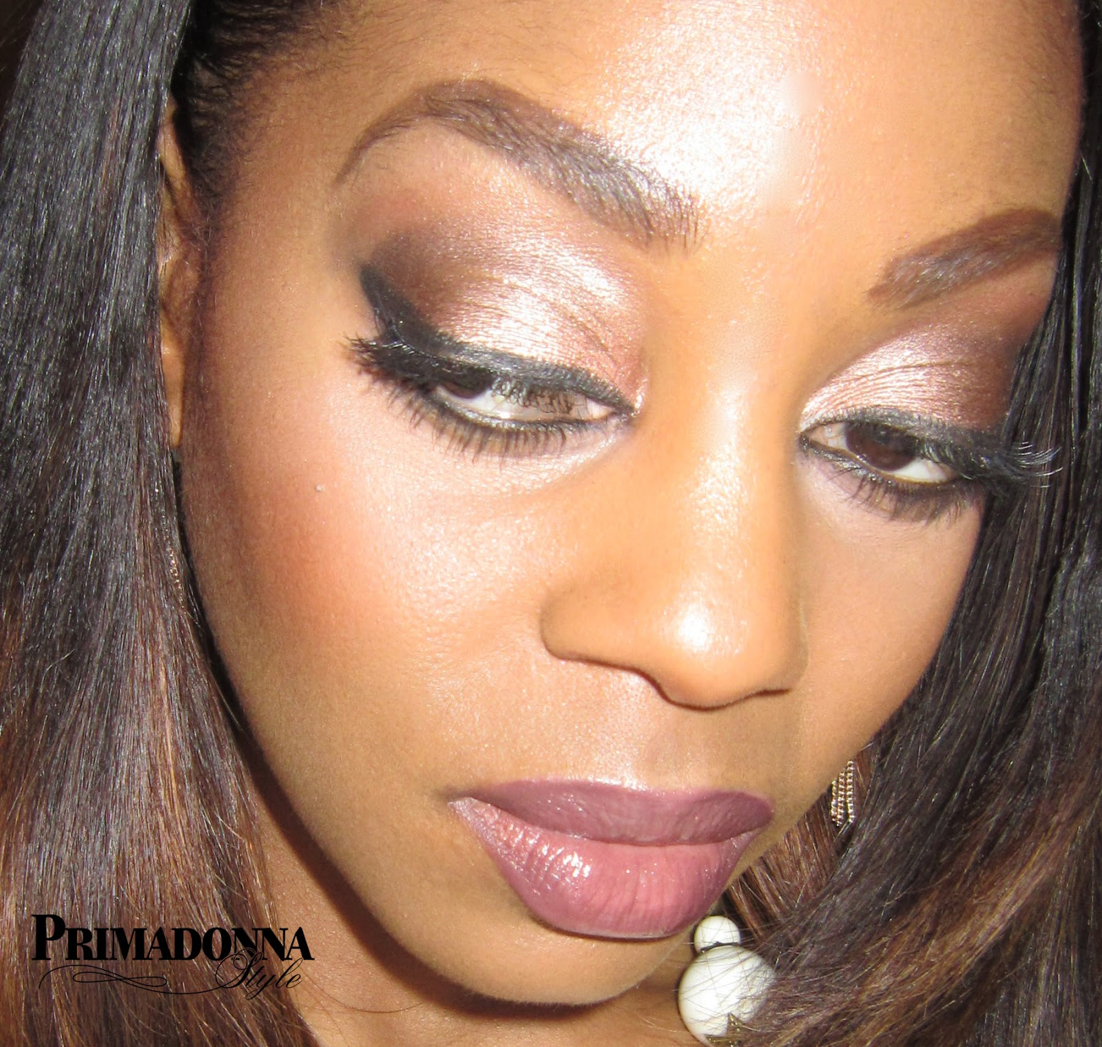 mixing luminizers and illuminators with foundation glowing dewy skin