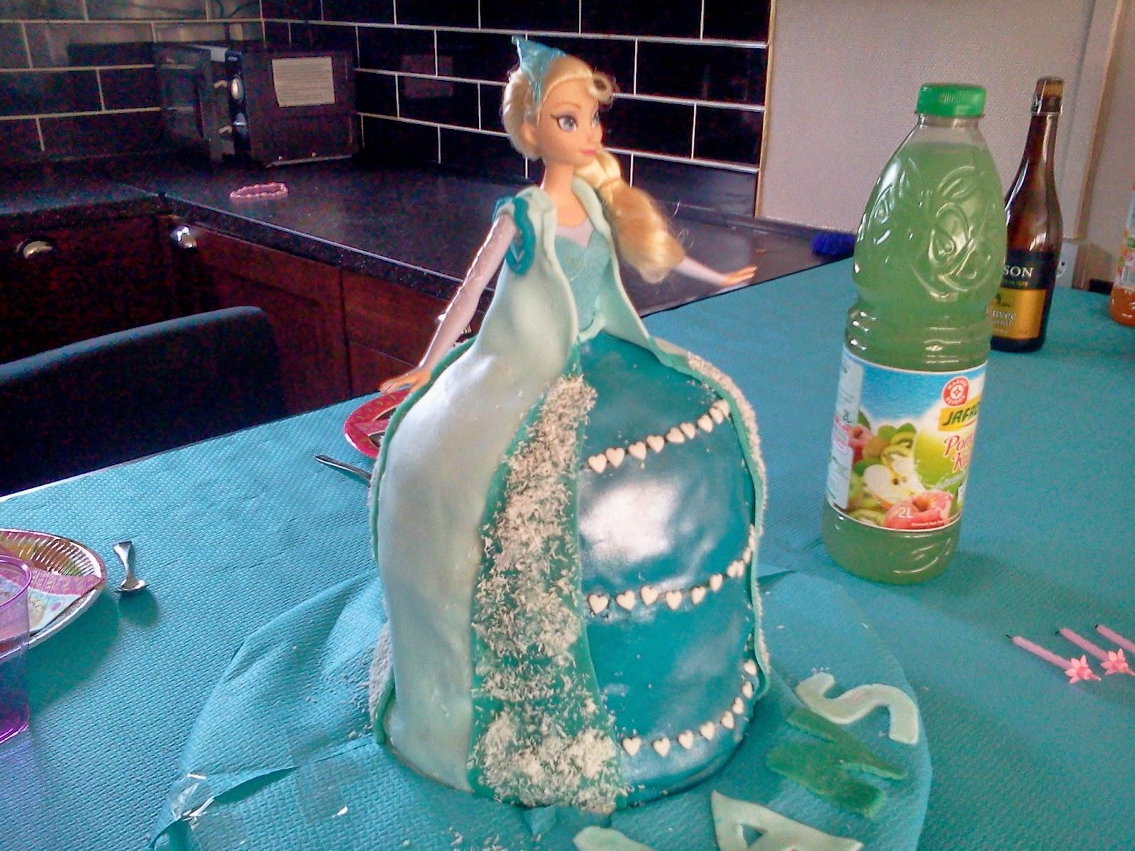 gateau reine des neiges frozen cake - Barbie La Reine Des Neiges
