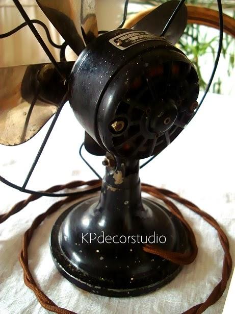 Ventiladores con base de hierro pesado para decorar.