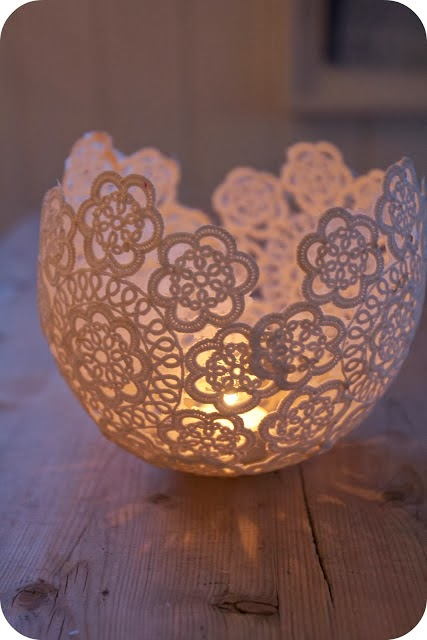 The Doily Candle Holder, by spirelloskrimskramserier