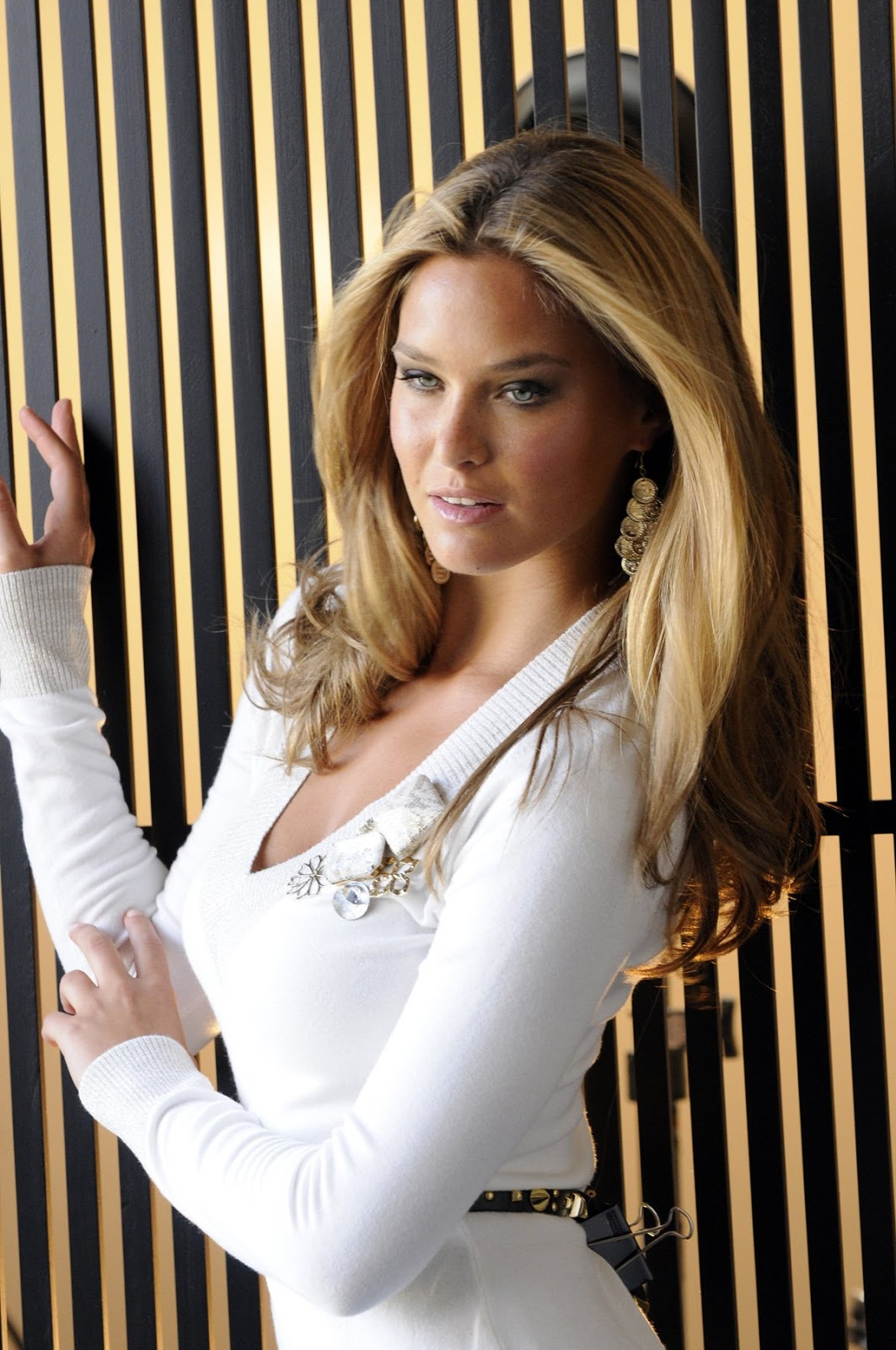 t o t  private consulting services  bar refaeli calls out