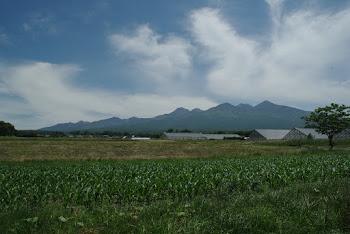 雲間に輝く八ヶ岳