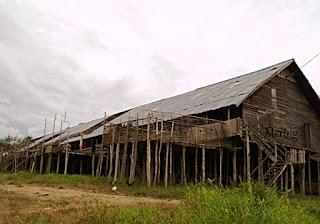Rumah Panjang Iban Ngaung Keruh by Mering