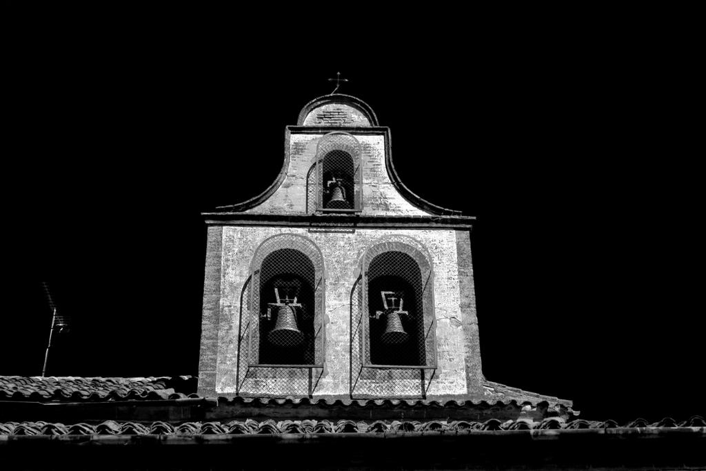 Espadaña (Ávila), by Guillermo Aldaya / AldayaPhoto