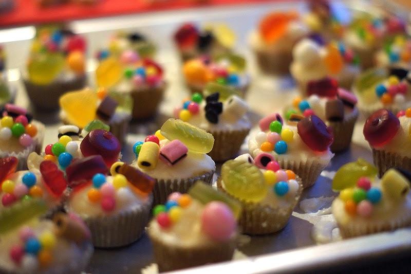 Sayn deko f r kindergeburtstagskuchen und muffins - Muffins fur kindergarten ...